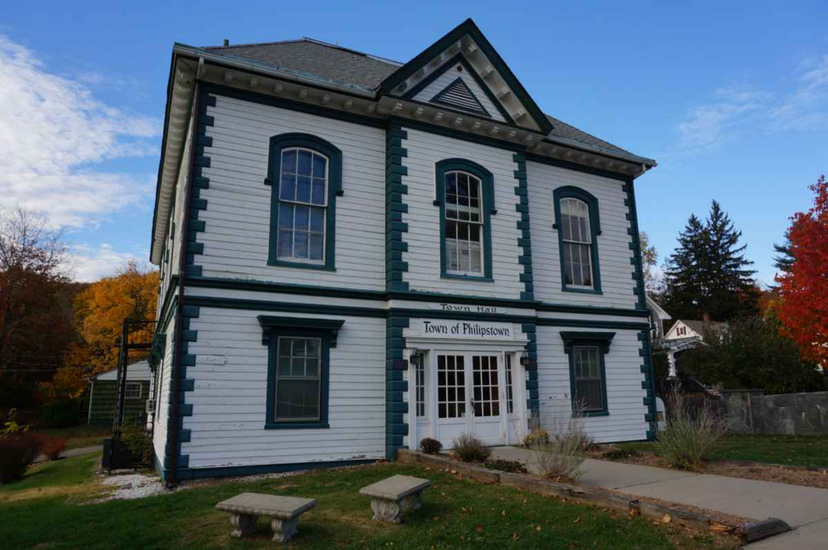 Town hall philipstown new york hudson valley homes for sale for New house hall